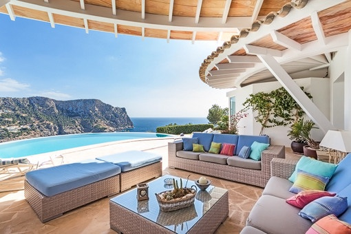 077105-villa-cala-llamp-outdoor-lounge-sea-views